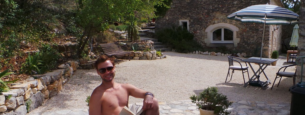 Gay accomodation chill out reading swimming pool south france