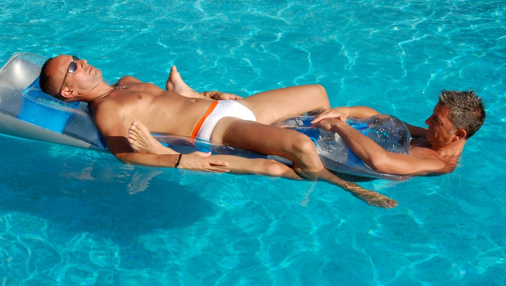 Gay holidays swimming pool hotel guesthouse provence